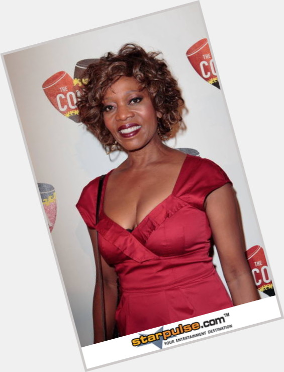 Alfre Woodard full body 11