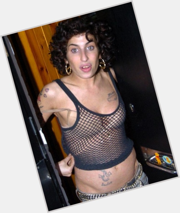 Amy Winehouse full body 3
