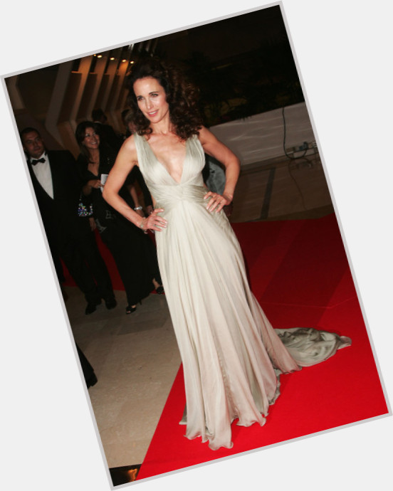 Andie Macdowell full body 3