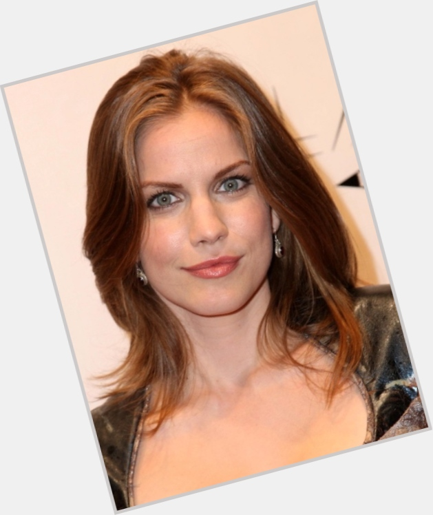 Anna Chlumsky dating 8