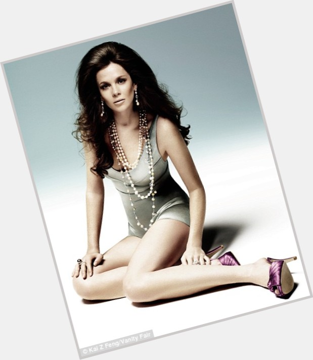 Anna Friel Full Body 6