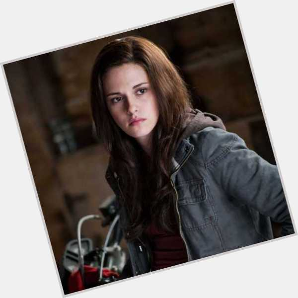 Bella Swan full body 8