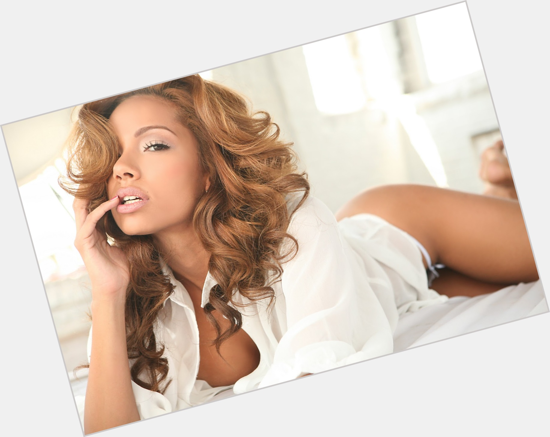 Erica Mena exclusive hot pic 5