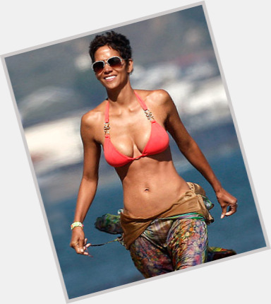 Halle Berry body 2
