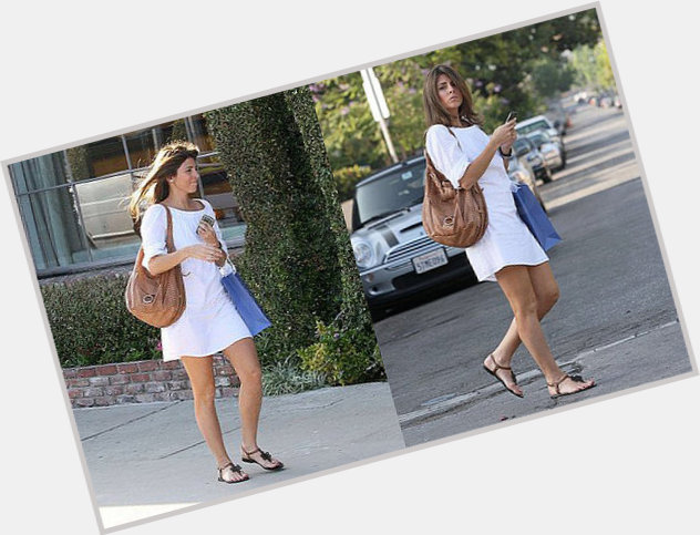 Jamie Lynn Sigler full body 7