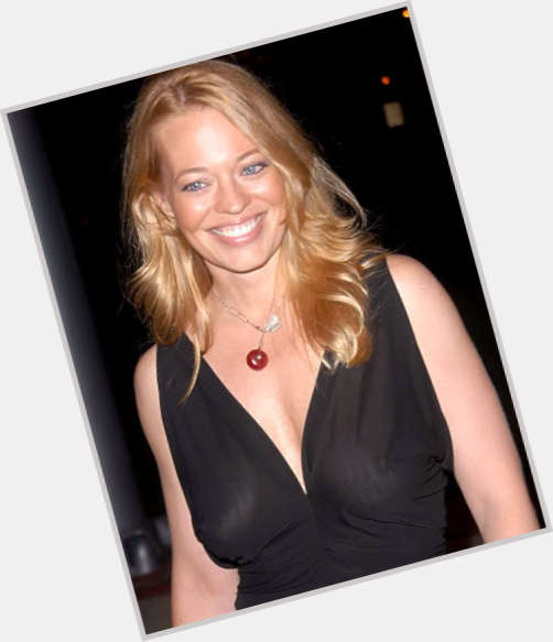 Jeri Ryan full body 8