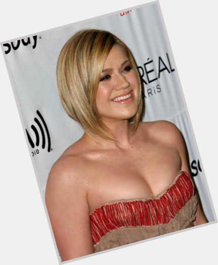 Kelly Clarkson body 11