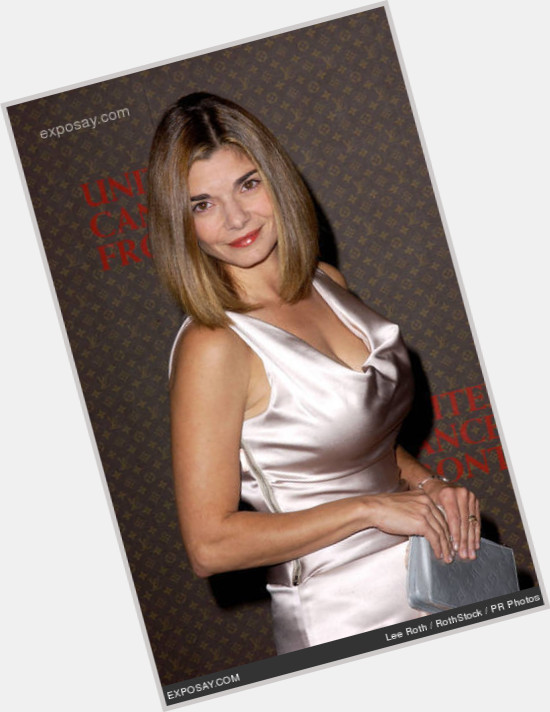 Laura San Giacomo full body 9