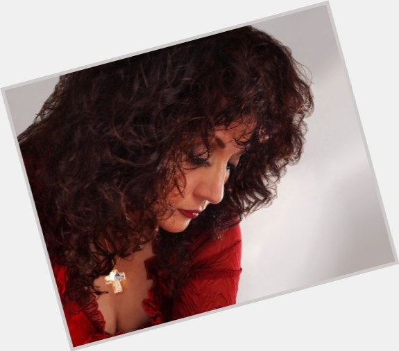 Maria Muldaur full body 9