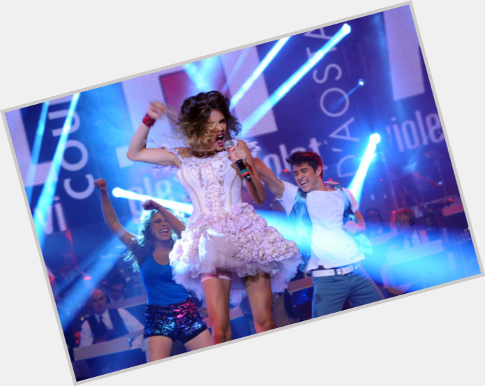 Martina Stoessel full body 5