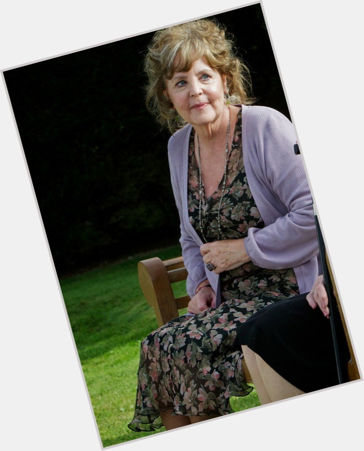 Pauline Collins exclusive hot pic 4