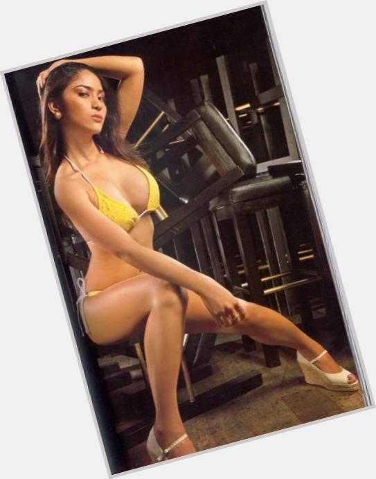 Rr enriquez topless video — photo 8