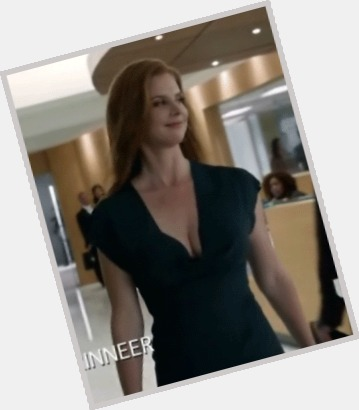 Sarah Rafferty full body 10