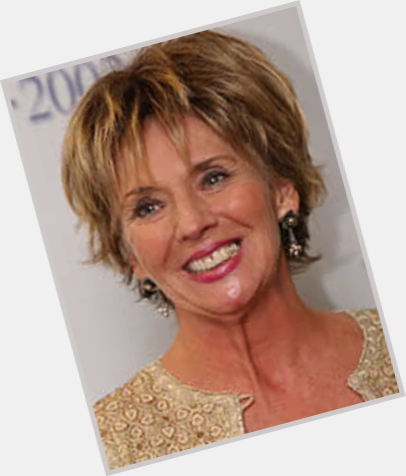 Sue Johnston hairstyle 7
