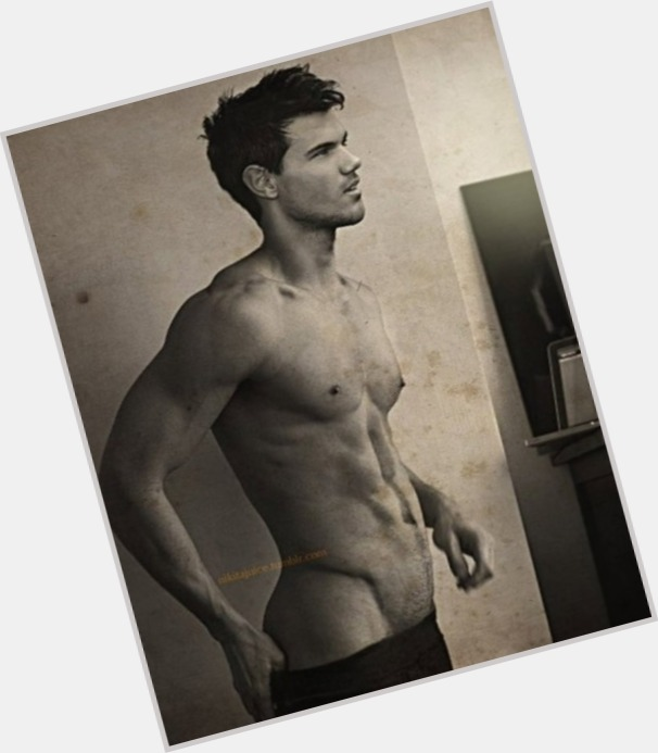Taylor Lautner sexy 3
