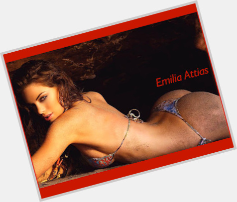 emilia attias wallpaper 2
