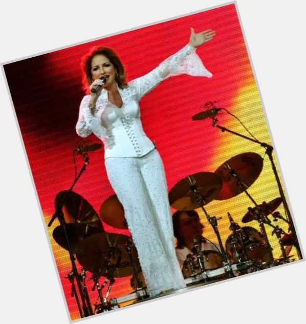 gloria estefan singing 6