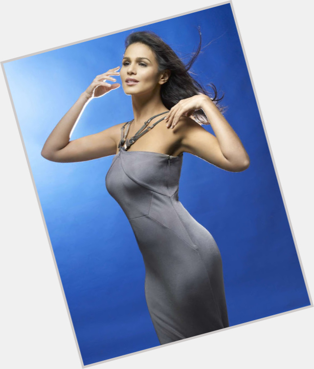 iza calzado before weight loss 4