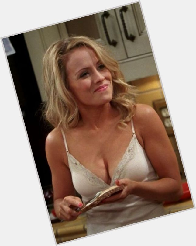 how old is kelly stables