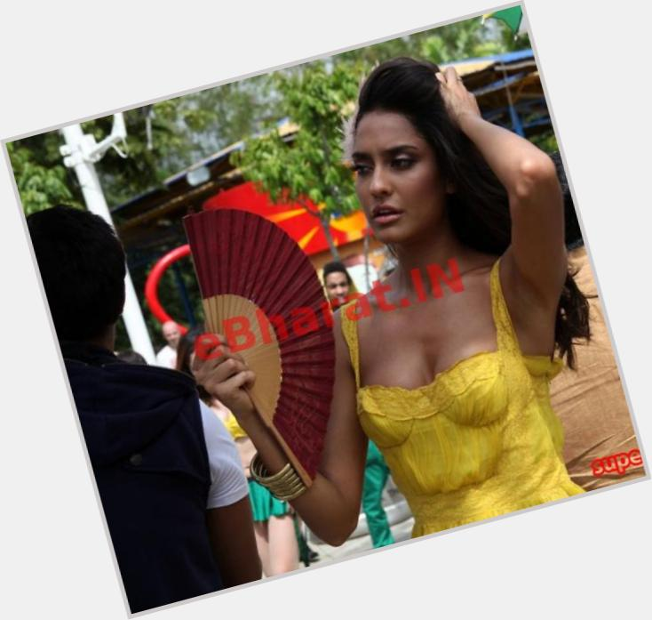 Lisa Haydon birthday 2015