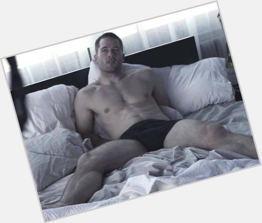 Luke Macfarlane birthday 2015