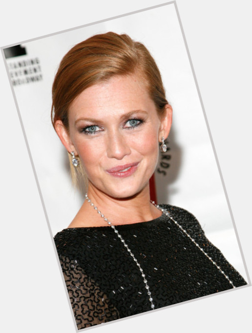 mireille enos height and weight