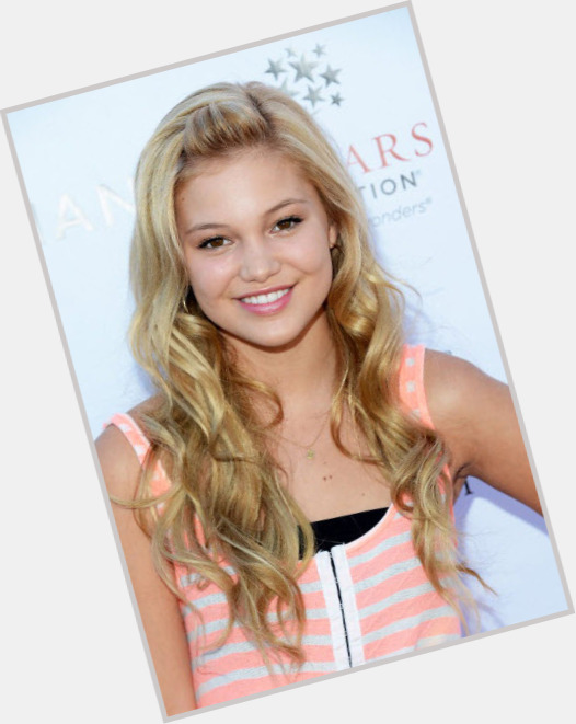 Olivia Holt birthday 2015
