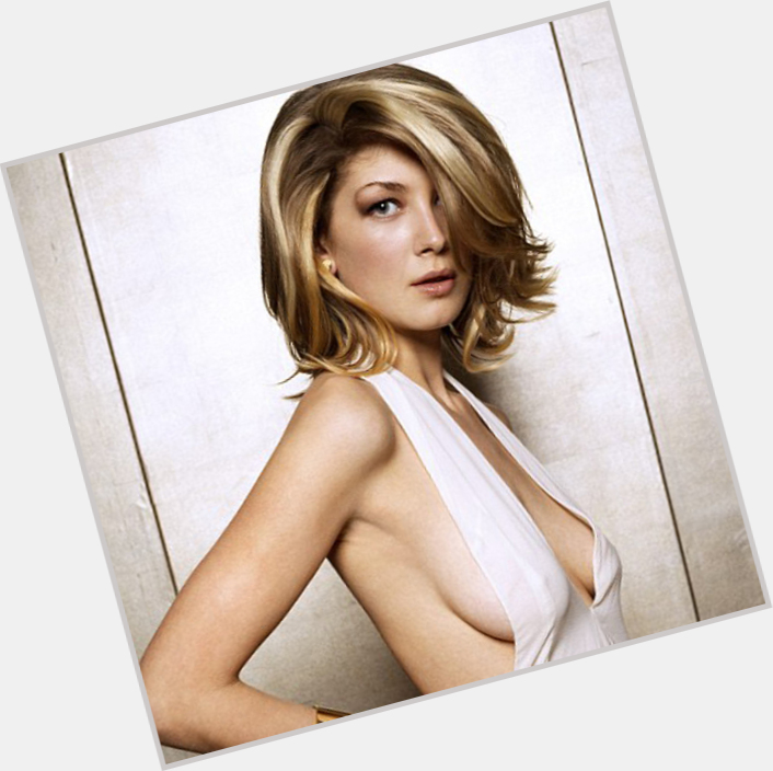 rosamund pike die another day 9