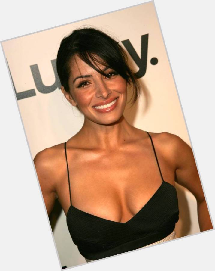 Sarah Shahi birthday 2015