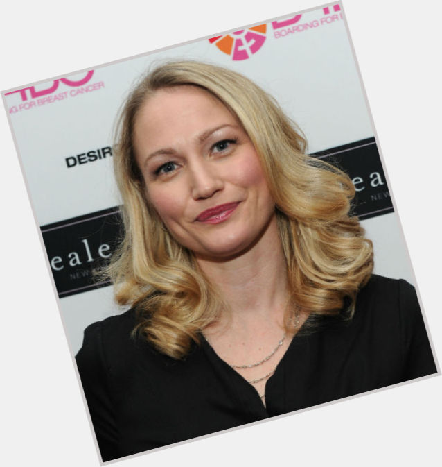 Sarah Wynter birthday 2015
