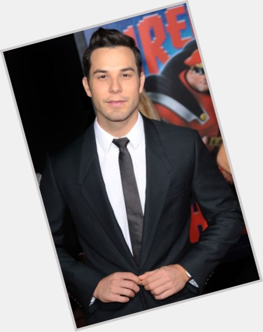 Skylar Astin birthday 2015