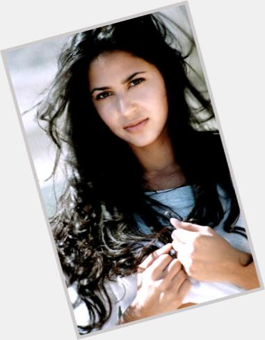 Vanessa Anne Hudgens née le 14 décembre 1988 à Salinas en Californie est une actrice chanteuse danseuse et mannequin américaine Elle est révélée au grand